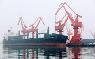 中国の米国債保有は、中国の対米貿易と密接に結びついている=ロイター
