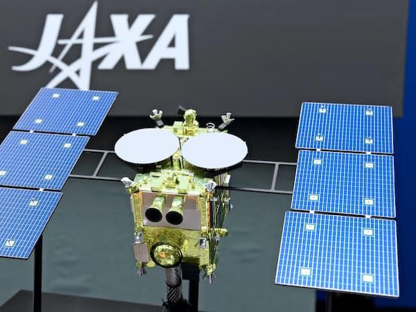 NECは宇宙開発などで高い技術力を持つ(システム設計などに携わった探査機「はやぶさ2」の模型)