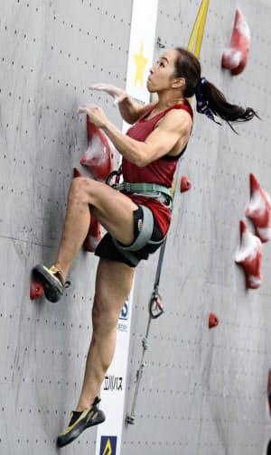 女子の先駆者、野口啓代は五輪の頂点に向けスピードの強化に余念がない(写真は12日のau スピードスターズ)=共同
