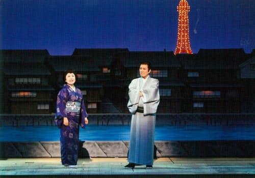バイタリティー溢れる吉本せい役の藤山(左)と色気を感じさせた夫・泰三役の田村