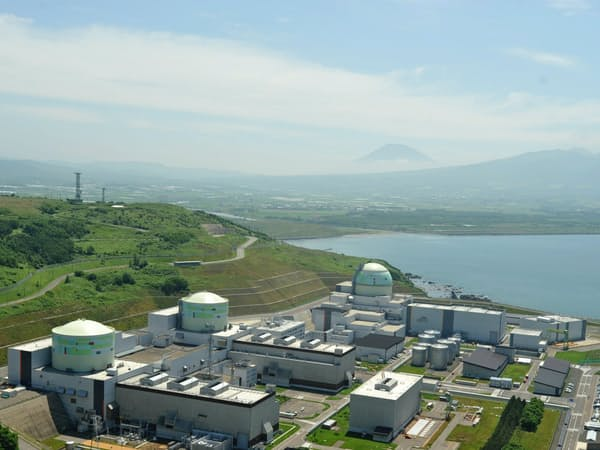 泊原発は安全審査が長引き、1~3号機すべてが停止している(北海道泊村)