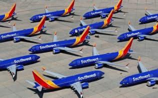 運航を停止した米サウスウエスト航空のボーイング737MAX機(3月、米カリフォルニア州)=ロイター