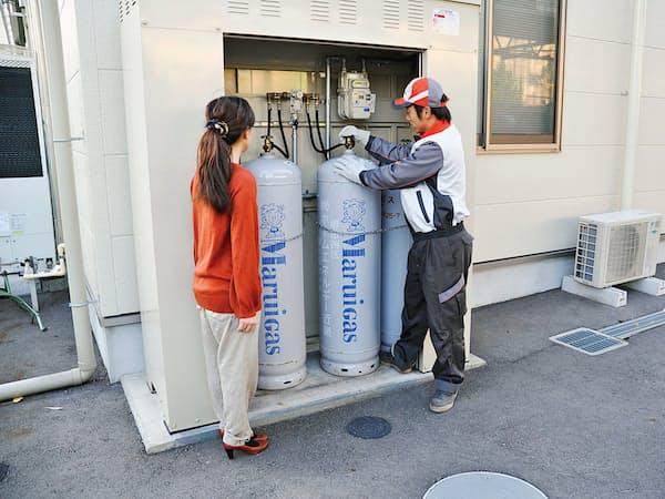30分以内に顧客のもとに駆けつけられるLPガスの配送ネットワークを生かす