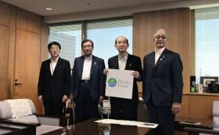 環境省は24日、三菱ケミカルなどの化学メーカーと意見交換を実施した。