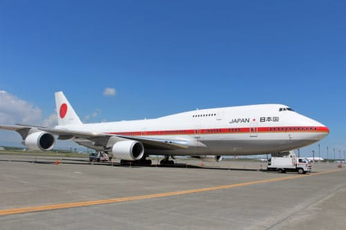 先代の政府専用機「747-400」は3月に退役した(24日、北海道千歳市)