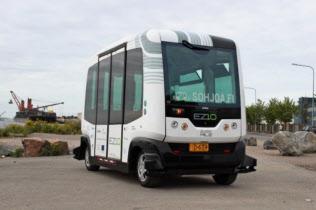 ノキアはフィンランドで自動運転バスの実証実験をしている