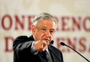 ロペスオブラドール大統領の下でメキシコの経済成長が停滞している=ロイター