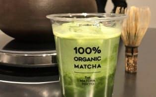 昨年11月、東京・原宿にオープンした専門店「THE MATCHA TOKYO」では抹茶をたてる体験もできる
