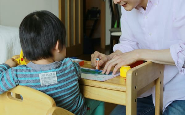 育児や家事を分担する夫への妻の期待は、夫の予想以上に大きい