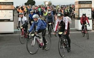 18年の国際大会「サイクリングしまなみ」には22カ国・地域の外国人630人を含む約7200人が出走した