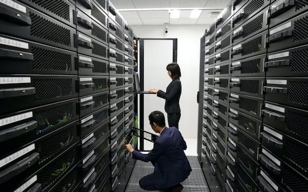クラウドサービスの利用が好調(東京都内のデータセンター)