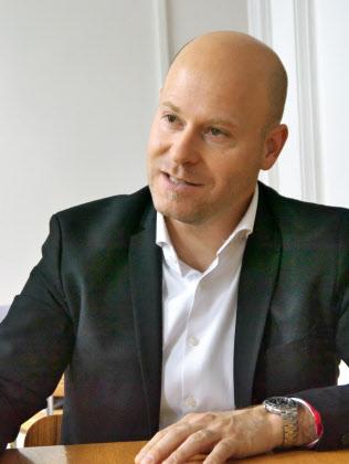 オーストリア欧州政策協会のパウル・シュミット事務局長