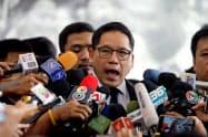タイの親軍政党「国民国家の力党」のウッタマ党首は27日、「タイの誇り党」と民主党に連立政権への参加を正式に要請した(バンコク)=ロイター