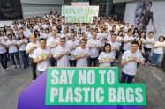 タイ小売り最大手セントラル・グループは百貨店などでのレジ袋の使用を年内停止する(28日、バンコク)