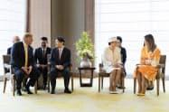 国賓として来日したトランプ大統領夫妻と別れのあいさつをする天皇、皇后両陛下(28日、東京都・千代田区のパレスホテル東京)=宮内庁提供