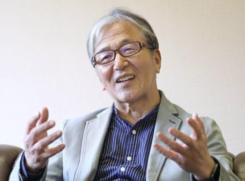 やぶなか・みとじ 1948年大阪生まれ。大阪大学法学部を中退して69年に外務省入省。アジア大洋州局長として6カ国協議の日本代表を務め、2008年に事務次官。10年に外務省を退職し、現在は立命館大学国際関係学部の客員教授を務める。