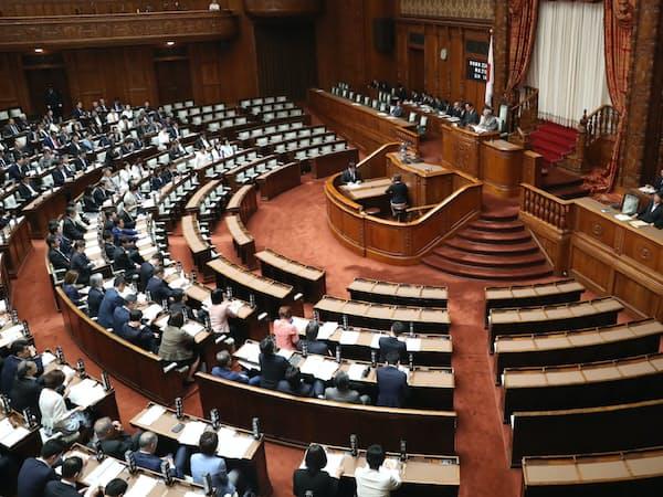 パワハラ対策法案が可決、成立した参院本会議(29日)