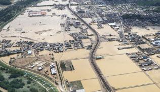 西日本豪雨で冠水した岡山県倉敷市真備町(2018年7月)
