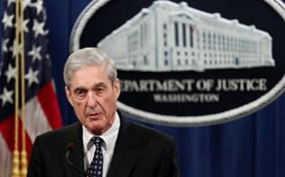 29日、米司法省で声明を発表したモラー特別検察官=ロイター