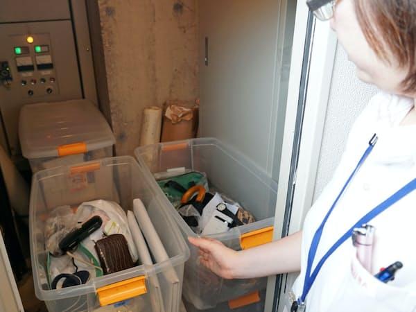 訪日客の忘れ物が大量に保管されているサクラホテル池袋(5月15日、東京・豊島)