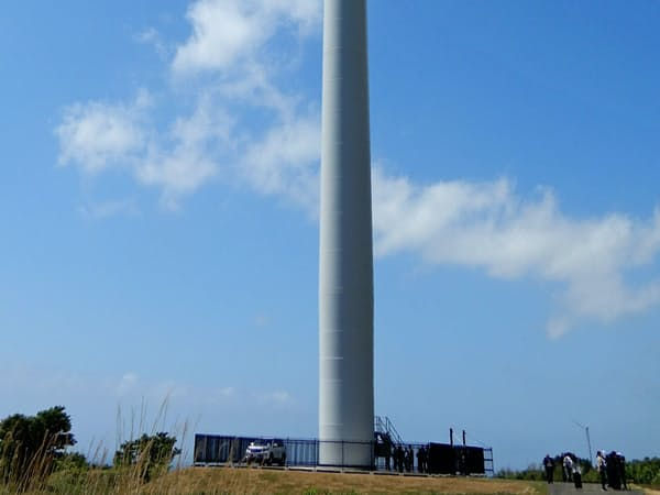 北海道松前町で東急不動産などが稼働させた風力発電所の風車