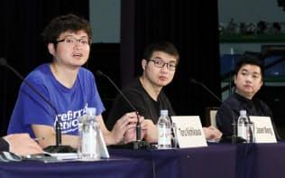 「アジアの未来」でパネル討論する(左から)西川・プリファードネットワークス社長、王・メイクブロック創業者兼最高経営責任者、タヌウィジャヤ・トコペディア創業者兼最高経営責任者(31日、東京都千代田区)