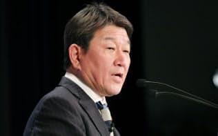 「アジアの未来」で講演する茂木経財相(31日、東京都千代田区)