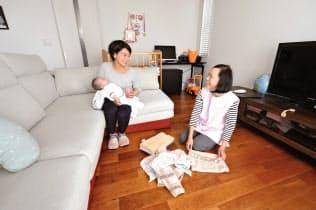 群馬県高崎市は利用者が在宅中に、育児や家事を手伝うヘルパーを派遣する
