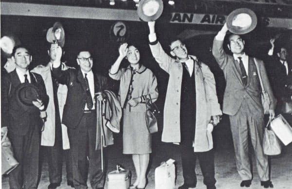 ロータリーエンジン開発の提携交渉のためドイツへ旅立つ恒次一行(1960年)=「松田恒次追想録」から