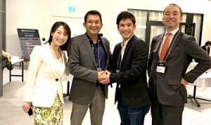 ビヨンドネクストベンチャーズの伊藤毅社長(中央(右))とC-CAMPのタスリマリフ・サイード最高経営責任者(中央(左))