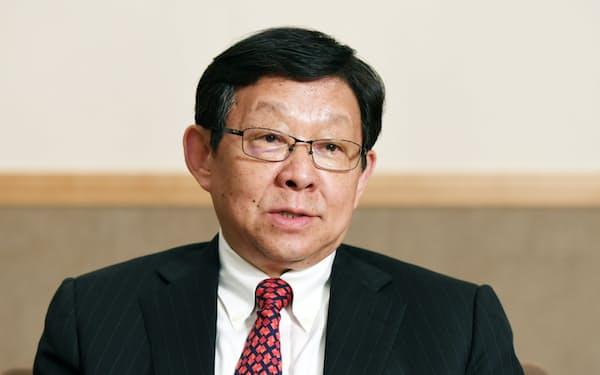 インタビューに答える陳徳銘・元中国商務相(31日、東京都千代田区)