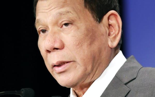「アジアの未来」で基調講演するフィリピンのドゥテルテ大統領(31日、東京都千代田区)
