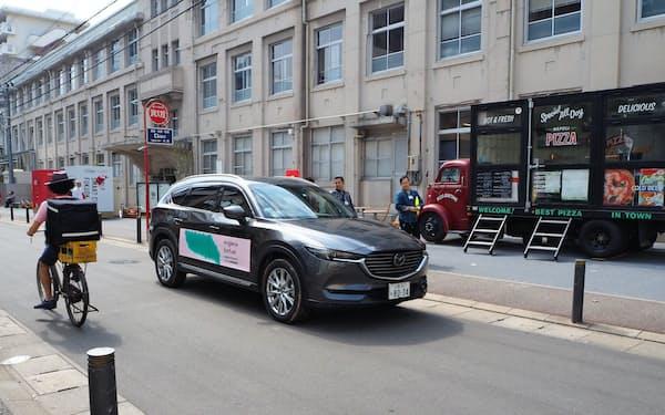 ミドリムシ燃料の乗用車が初めて公道を走行した(1日、福岡市)