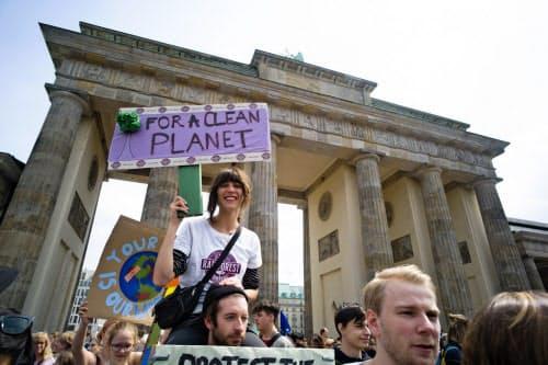 欧州では環境政策への関心が急速に高まっている=AP