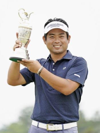 今季初、通算21勝目を挙げた池田勇太(2日、ザ・ロイヤルGC)=共同