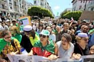 アルジェリアでは反政府デモが続いている(5月31日)=ロイター