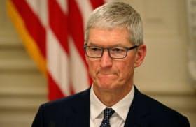 アップルの成功は、クック氏がCEO就任前から中国を中心にサプライチェーンを構築してきたことが大きいとされるが…=ロイター
