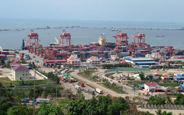日本政府が支援を続けてきたカンボジア南部のシアヌークビル港