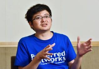 インタビューに答えるプリファードネットワークスの西川徹社長(5月31日、東京都千代田区)