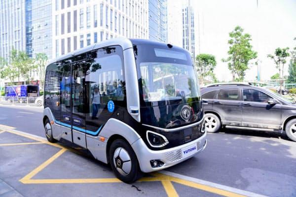 河南省鄭州市の「智慧島」を走る宇通集団の自動運転バス