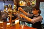ラグビーW杯の大会期間中はパブなどでのビールの消費が伸びそうだ(東京都中央区のHUB八重洲店)