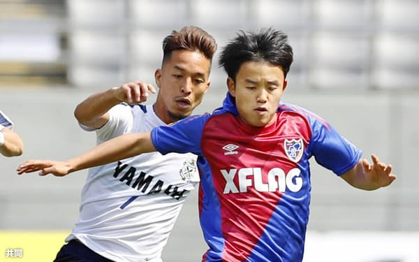 FC東京の攻撃をカラフルにする久保建はチームの中で大きな存在になっている=共同