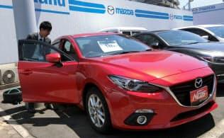 値引き販売の抑制が中古車価格を安定させている(広島市のマツダ販売店)