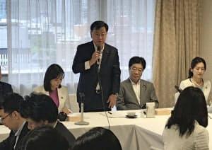 設立総会であいさつする松野元文科相(自民党本部)