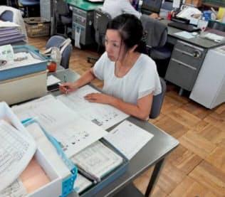 静岡県は全小中学校にスタッフを配置、教員の負担軽減を図る