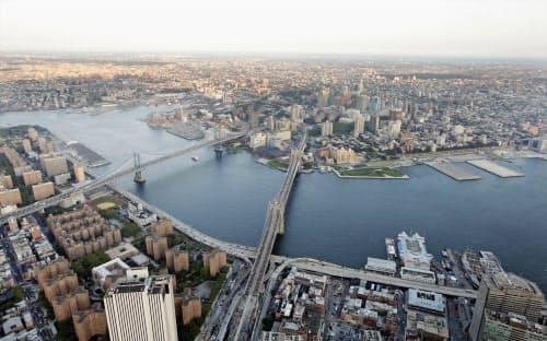 ウーバーは7月からニューヨークのジョン・F・ケネディ国際空港とマンハッタン南端部結ぶ路線を運航する=ロイター