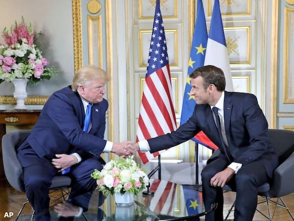米仏はイラン政策でも立場が異なる(6日、仏北西部カン)=AP
