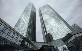 フランクフルトのドイツ銀行本社=ロイター