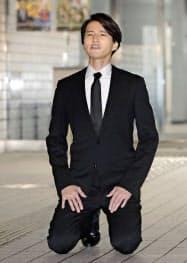 東京湾岸署から出て謝罪する「KAT―TUN」の元メンバー、田口淳之介被告87日午後=共同