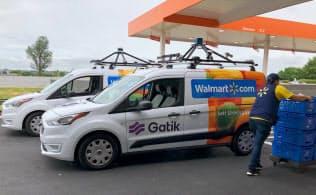 ウォルマートはフォードと組み自動運転車を使った宅配サービスを開発している(6日、米アーカンソー州)